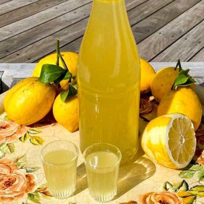 Limoncello-italiensk-citronlikoer